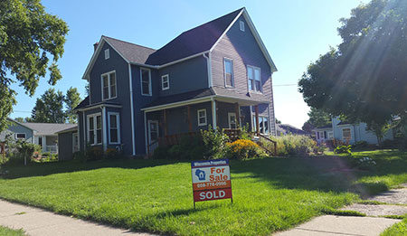 410 E Lincoln Ave Lancaster Wi 53813 Sold, Buyers Broker